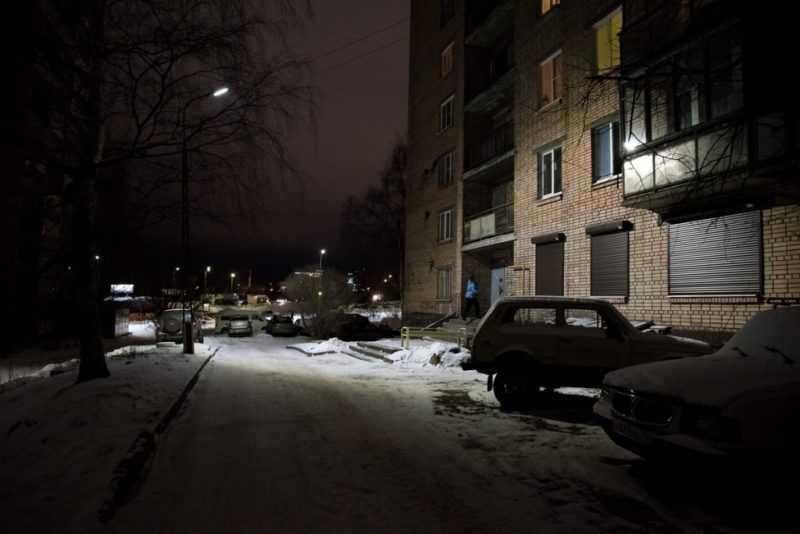 Освещение дворов с помощью светодиодных фонарей