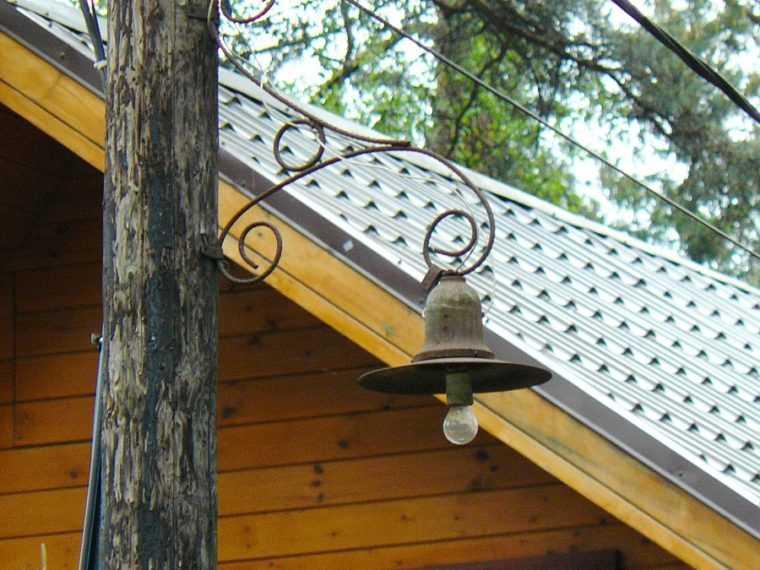 Столбы освещения из дерева