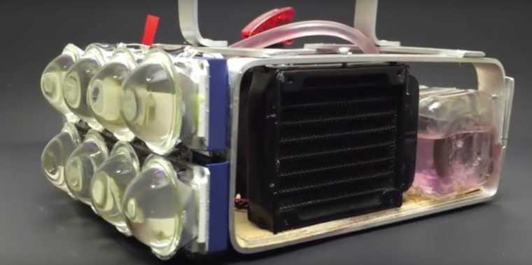 Светодиодный прожектор с водяной системой охлаждения