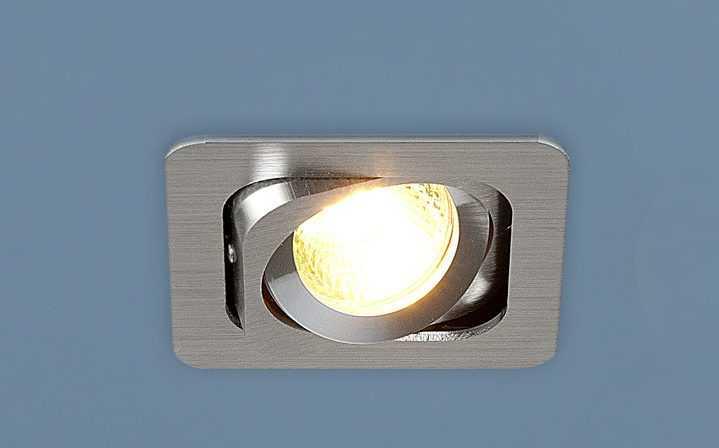Точеный светильник без стекла с галогенной лампой 35 Вт