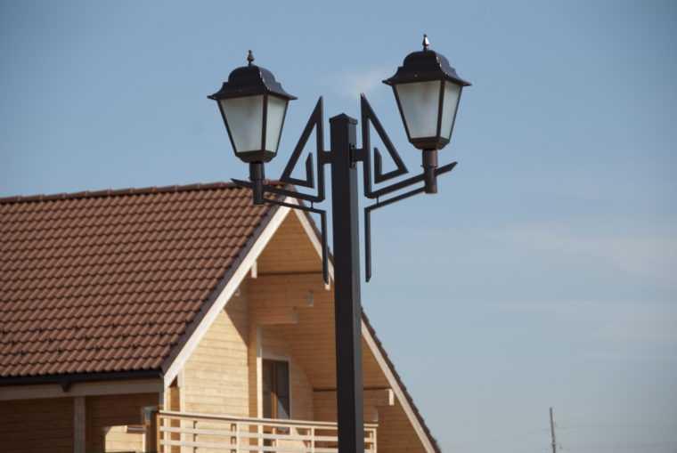 Опоры для уличного освещения из металла