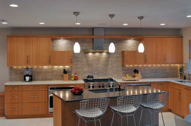 Освещение плиты и кухонной техники