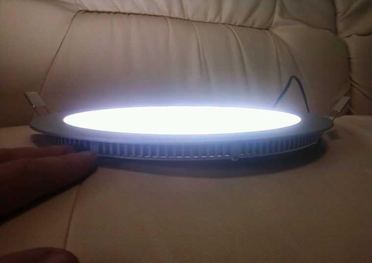 Ультратонкий светодиодный светильник для гипсокартонного потолка