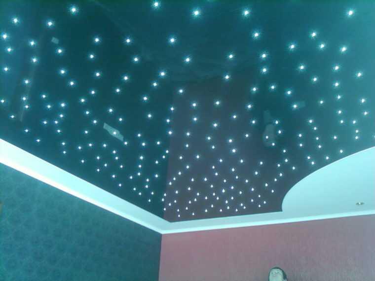 Установка точечных светильников выше уровня потолка