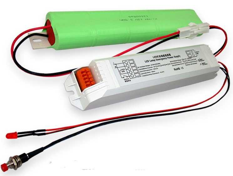 Аккумулятор с драйвером для источника аварийного освещения