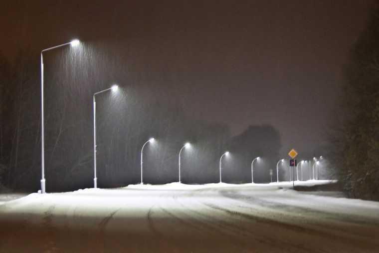 Освещение дороги светодиодными фонарями