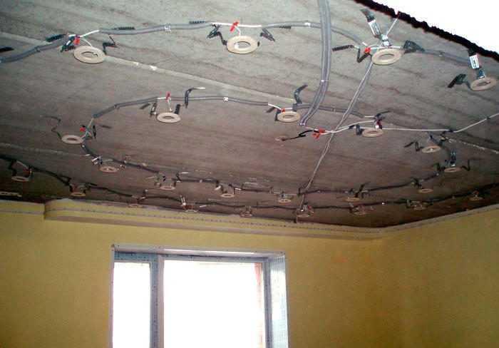 Монтаж электропроводки под точечные светильники