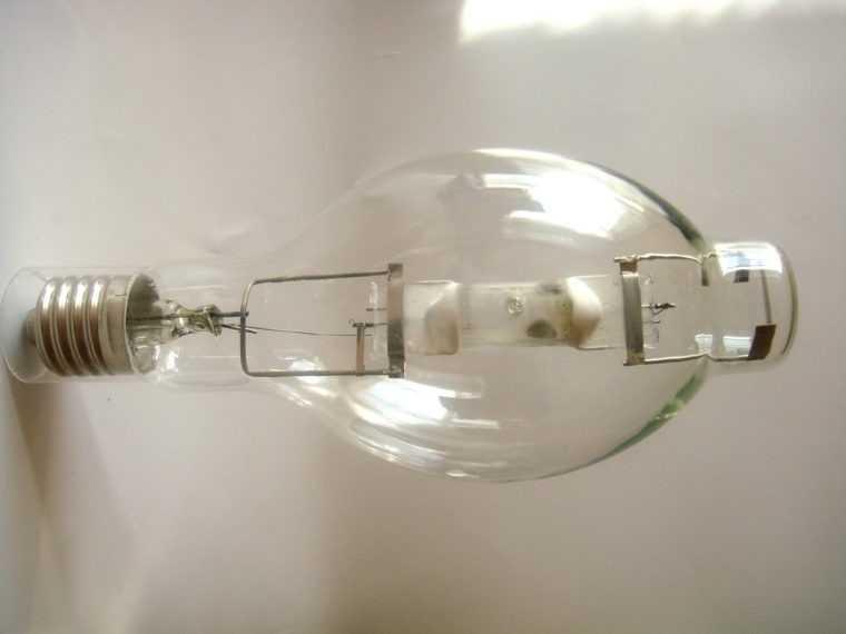 Лампа газоразрядная ДРИ 400-7 E40