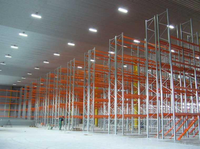 Светодиодное освещение складских помещений
