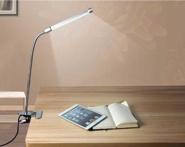 Настольный LED-светильник с крепежной системой