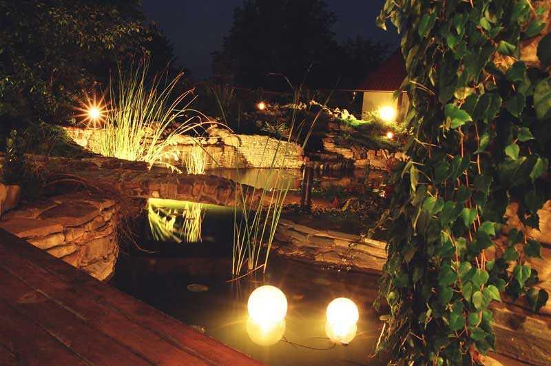 Декоративная подсветка водоема