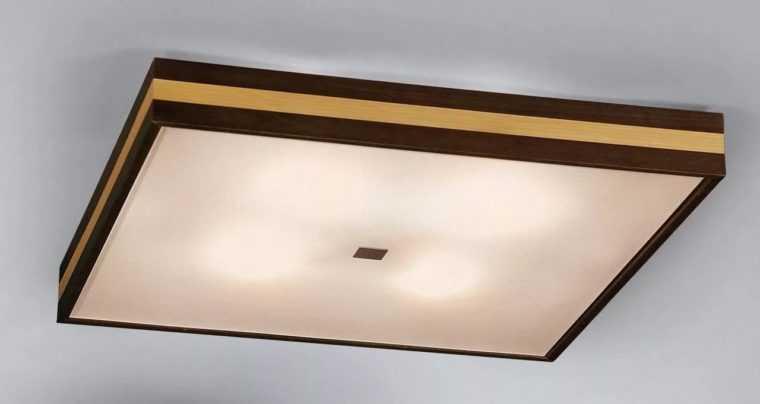 Компактный припотолочный светильник