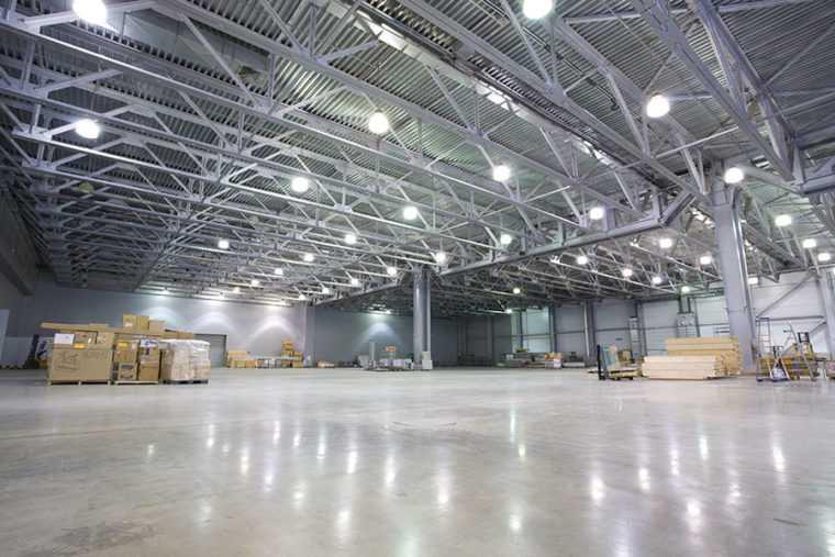 Общее освещение складских помещений