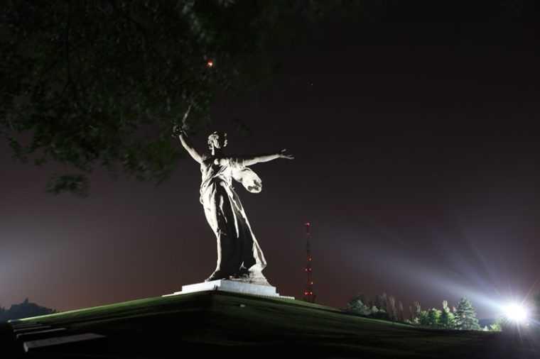 Подстветка памятника светодиодными прожекторами LEDEL