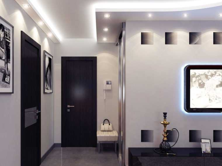 Подсветка с помощью точечных светильников в коридоре