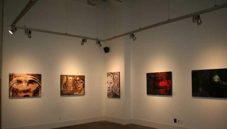 Акцентное освещение на выставке