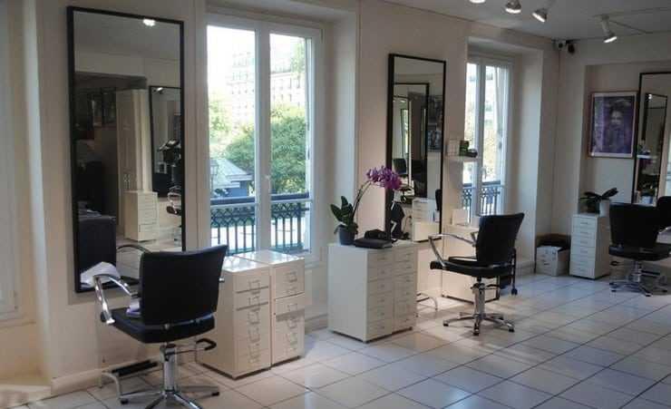 Освещение парикмахерского салона с окнами