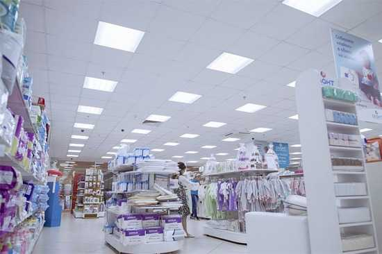 Освещение торгового зала светильниками Вартон