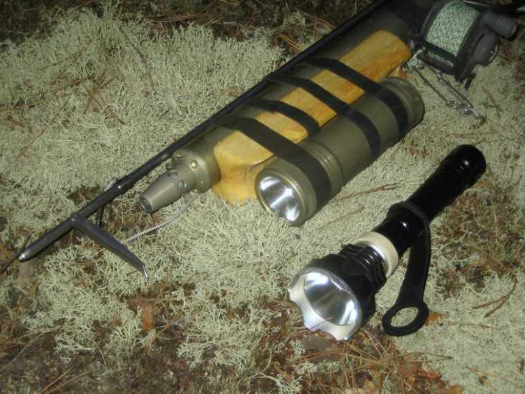 Крепление фонаря на подводное ружье